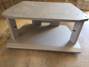 Tv table - pick up Sunday