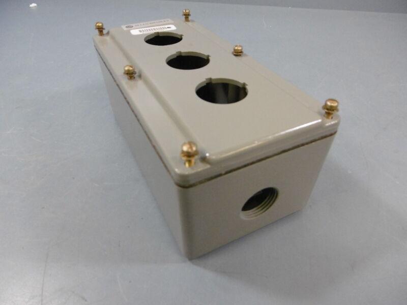 Allen Bradley 800T-3TZ 3 Push Button Electrical Enclosure