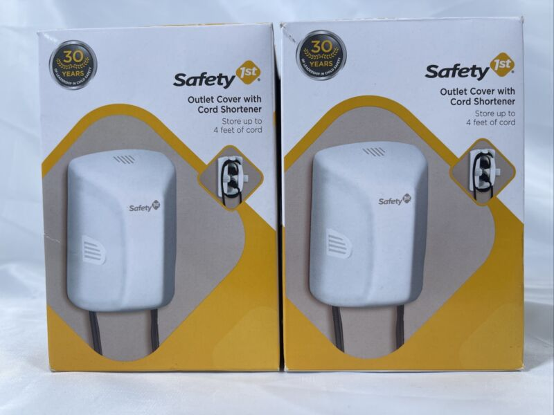 Safety 1st Outlet Cover with Cord Shortener #48308 Lot of 2 New In Box