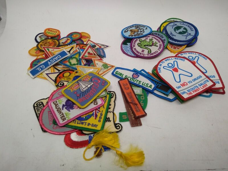 VINTAGE LOT OF 95 GIRL SCOUTS PATCHES 1980