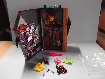 Monster High Doll Carry Storage Case Coffin Locker w/Doll and Couple - Monster High Couples