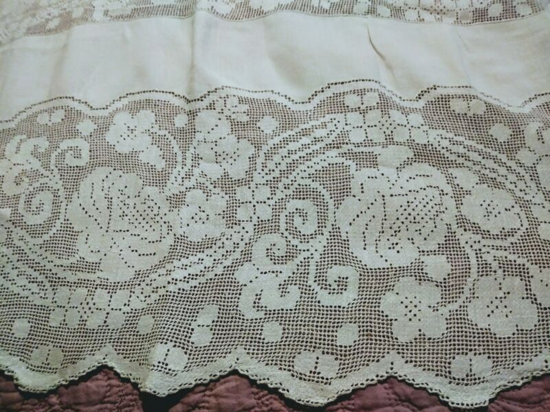 "Elaborate Floral Punchwork Lace Fine White Linen Tablecloth 98"" x 64"""
