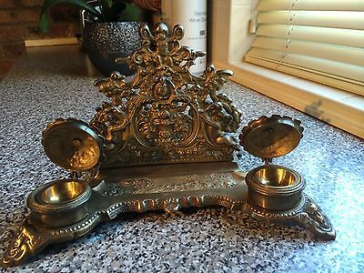VICTORIAN STYLE BRASS DOUBLE INK WELL AND INTEGRAL LETTER RACK