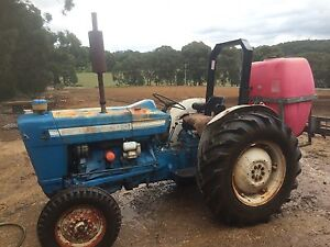 Tractor Cockatoo Cardinia Area Preview