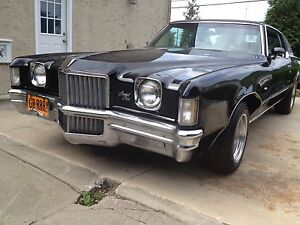 1971-Pontiac-Grand-Prix-numbers-matching-Restored-to-its-Glory-Days
