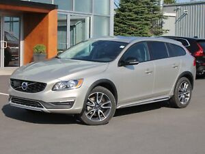 2017 Volvo V60 Cross Country T5 Premier AWD | FULL VOLVO WARR...