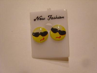 Ohrstecker mit gelbem Smiley mit Sonnenbrille cooler Smiley  süsssssss 354