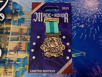 DISNEY PARKS MAGIC OF HONOR 20,000 LEAGUES UNDER THE SEAS LE 2000 PIN NEW