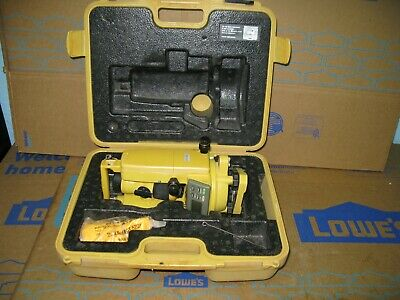 Topcon Dt-209 Optical Digital Theodolite With Carrying Case Dt-200 Series