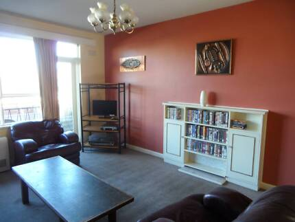 Single bed for female traveller in roomshare Lewisham Rd Windsor Stonnington Area Preview