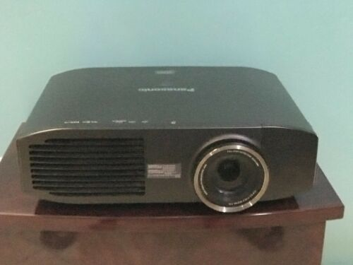 Panasonic PT-AE8000U LCD Projector WITH NEW LAMP, GOOD WORKING MACHINE