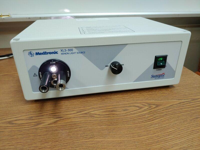 Sunoptic Medtronic XLS-300 Xenon Light Source