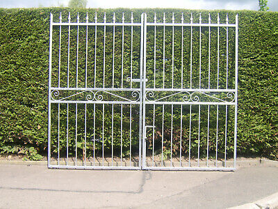 Double driveway gates 6 ft high for a opening of 7 ft  galvanized with fittings