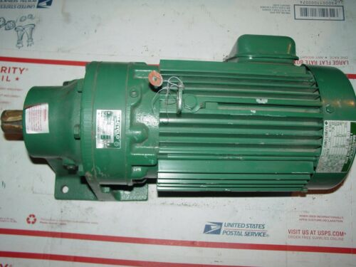 "Sumitomo SM-Cyclo HM3100 1-1/2 hp 3ph Electric Motor 17:1 ratio 1-1/8"" output"