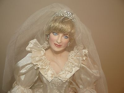 Franklin Mint Princess Diana Porcelain Bride Doll 19 Inches In Height W COA