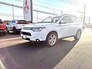2014 Mitsubishi Outlander GT - only $154 biweekly!
