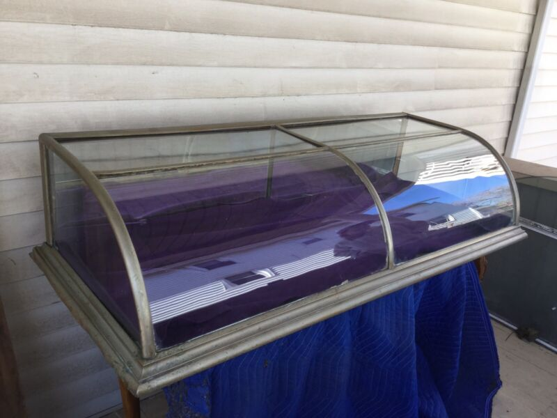 Country Table Top Bowed Glass Display Case