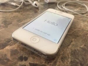 iPhone 4s - 32Gig White with Case & cables