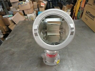 Crouse Hinds Qbe-500 Explosion Proof Floodlight Class 1 Groups B D 500 Watt