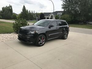 Grand Cherokee SRT - Panoramic Sun roof, trailer pkg, AWD