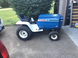 Ford LGT 14 hp lawn and garden tractor
