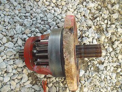 International 340 Utility Ih Tractor Axle Inner Drive Gear Brake Housing Mount