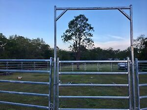 Horse Round Yard Morayfield Caboolture Area Preview
