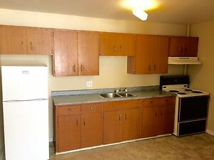***MONCTON HOSPITAL AREA (HEAT, LIGHTS & WIFI INCLUDED)***