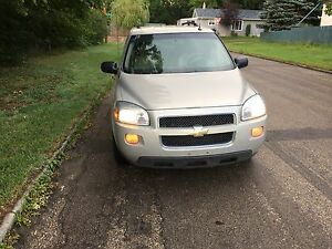 GREAT DEAL ON THIS 08 CHEVY UPLANDER LOW KMS DRIVES GREAT