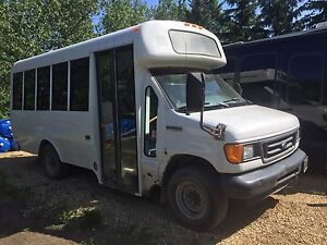 For sale 2007 ford passenger bus
