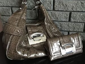 Guess purse/wallet/check book combo