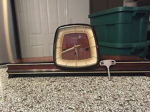Vintage Chime Mantle Clock