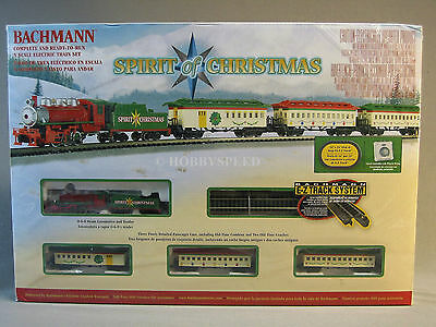 BACHMANN N SCALE SPIRIT OF CHRISTMAS PASSENGER SET train n gauge santa 24017 NEW