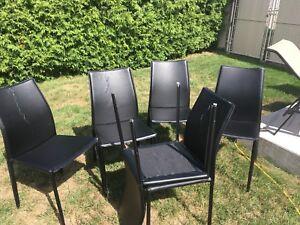 Chaises noires cuir véritable