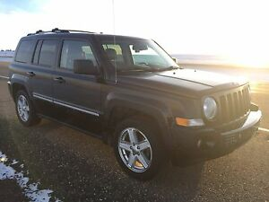 2010 Jeep Patriot Limited - Sun Roof, Remote Start, much more