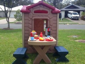 Playhouse Little Tikes