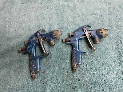 Lot Of Two Heavily Used Devilbiss Compact Paint Spray Guns With Sp-200s-1.4 Tips