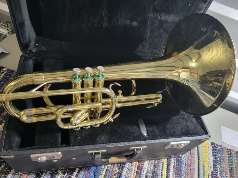 BLESSING ARTIST USA MARCHING HORN *Great for Student Band!