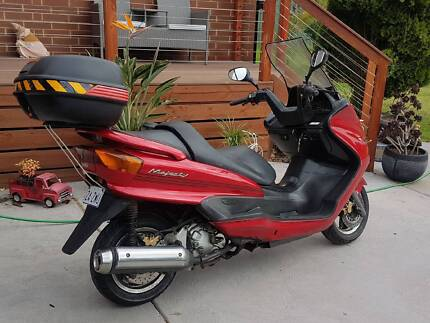 2000 Yamaha Majesty Scooter Excellent Condition