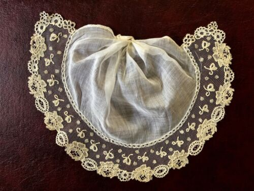 CLEVER C. 1900 jabot edged with Brussels bobbin lace applique collar