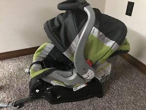 Babytrend Expedition ELX Travel system