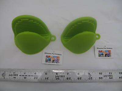 Two (2) Silicone Pot Holder LIME GREEN Grabber Hot Bakeware Oven Mitt   - Lime Green Pot