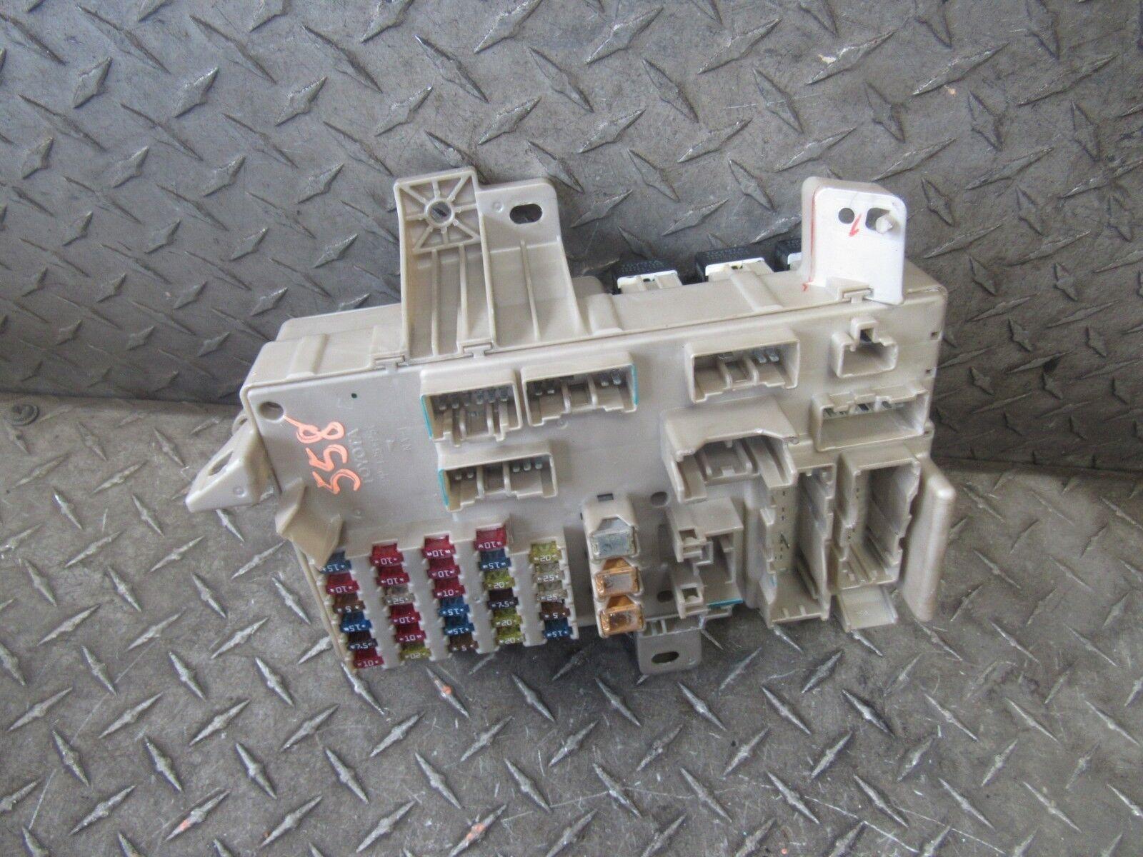 2002 LEXUS ES300 FUSE BOX INTERIOR 82730-3340-A38 V3.0L 6CYL