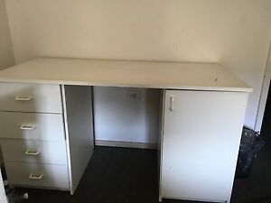 White desk, great condition Hornsby Hornsby Area Preview