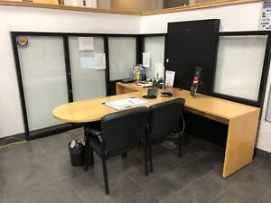 4 WOOD OFFICE DESKS WITH GLASS/ WOOD PARTITIONS