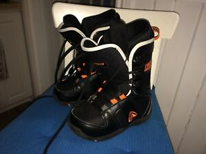 Snow boot size 2 FIREFLY like new a Rockland