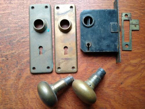 Antique Elegant Brass Doorknobs Doorplates & Mortise Lock Niles Chicago 1900
