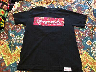 Diamond Supply Company Black T Shirt With Script logo jewels  box background