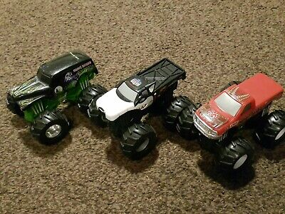 Hot wheels monster jam Truck- REV TREDZ X 3 - played with condition - 1:64