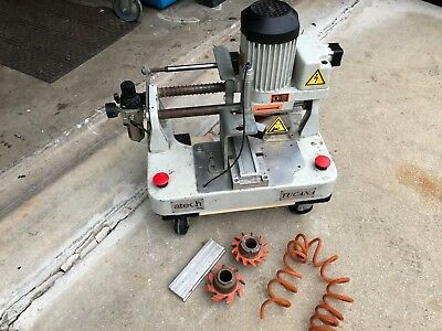 Atech By Osm Tucana Bench Top End Milling Machine 230v Electric Pneumatic